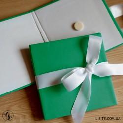 Коробка для диска с лентой из матового дизайнерского картона