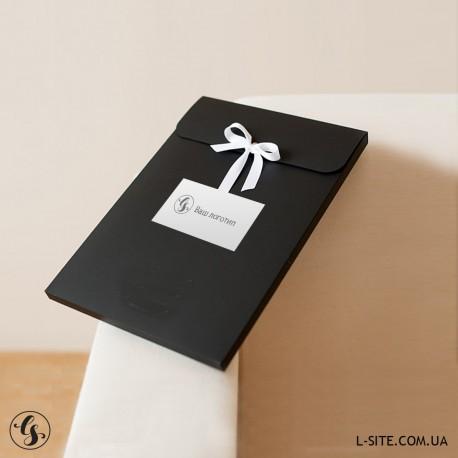 Конверт для фотографий 15х21 см на ленте с бортом из матового дизайнерского картона