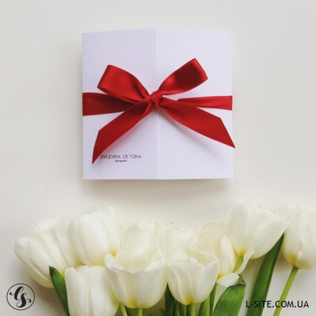Сертификат из белого матового дизайнерского картона с цветной лентой
