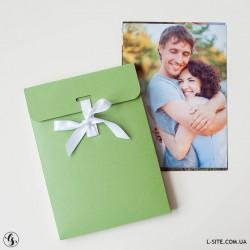 Конверт для фотографий 15х21 см на ленте с бортом из дизайнерского картона с отливом