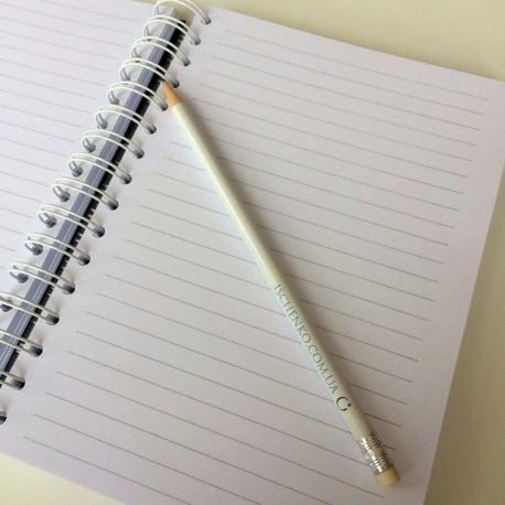 Белый карандаш с логотипом