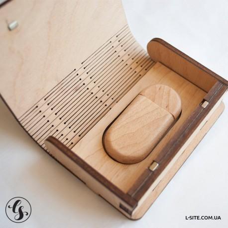 Коробочка для флешки на пружине