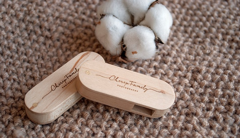 Любимые деревянные флешки опять в наличии