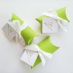 "Коробочка-""пирожок"" для флешки из дизайнерского картона"