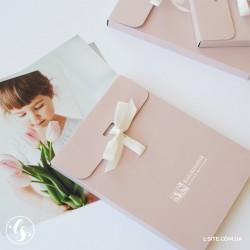 Конверт цветной  для фотографий 15х21 на ленте с печатью по конверту