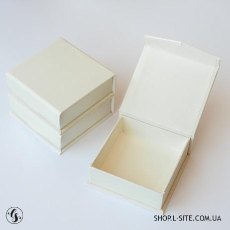 Коробочка для флешки 9х9 в эко-стиле