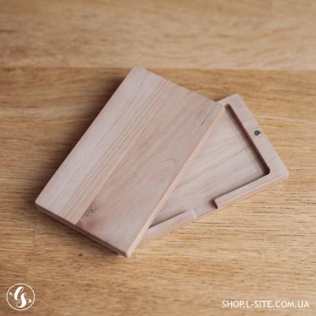 Деревянная коробка для флешки карточки с логотипом купить