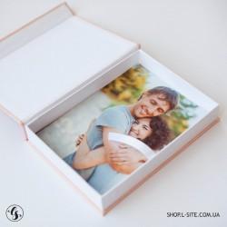Коробка для фото с логотипом, крышка из итальянского кожзама