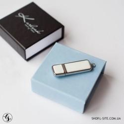 Набор кожаная флешка + коробка для флешки с крышкой из итальянского кожзама