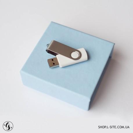 Набор флешка + коробка из итальянского кожзама