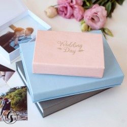 Коробка для фото с надписью на крышке пленкой, крышка итальянский кожзам