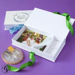 Коробка для фото и флешки с печатью на крышке