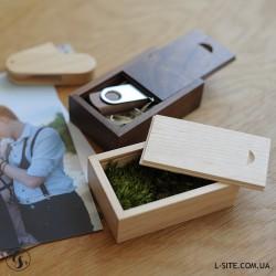 Коробка из дерева для флешки с выдвижной крышкой